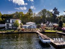 Lake House-111